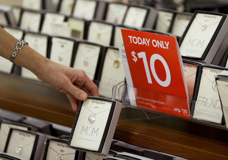 Holiday shoppers may see big discounts soon
