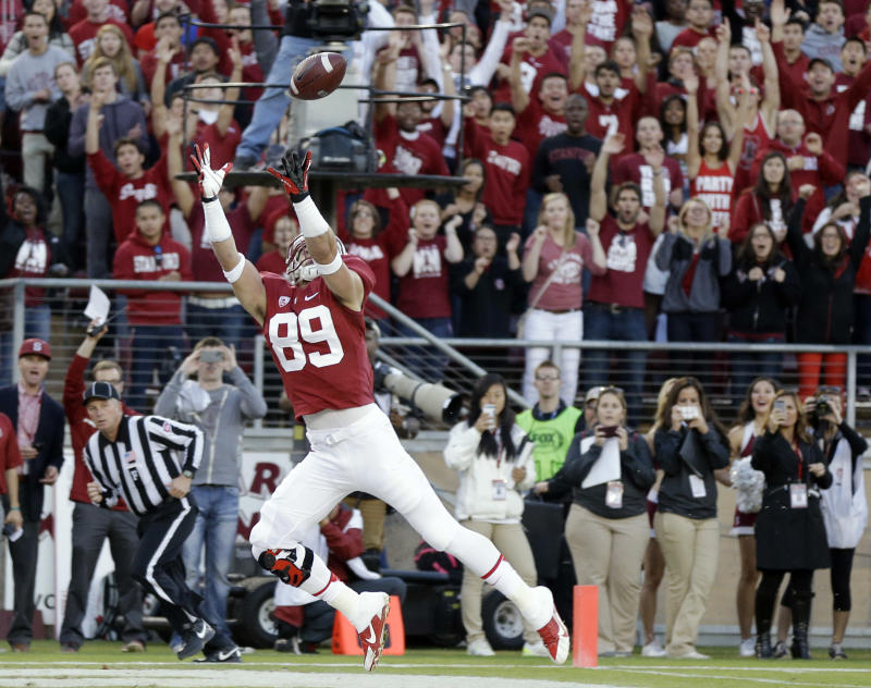 No. 8 Stanford holds off No. 25 Notre Dame, 27-20