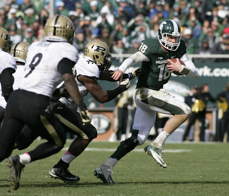 Spartans have Legends lead on line vs. Michigan