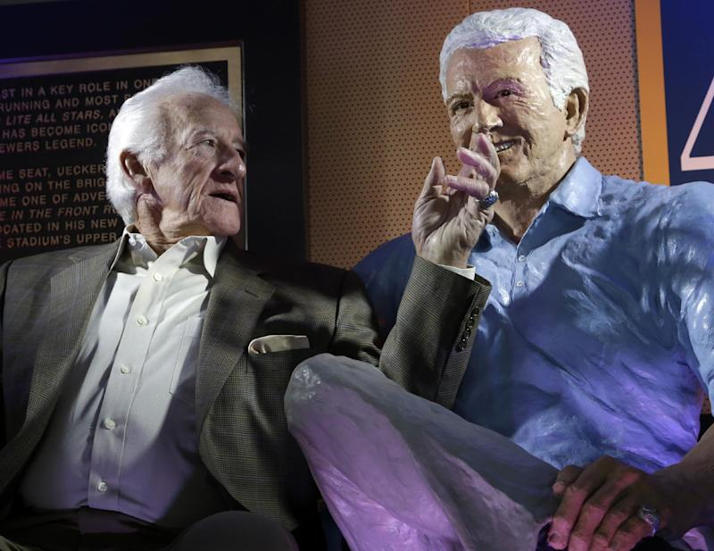 Brewers honor Uecker with statue - in the last row