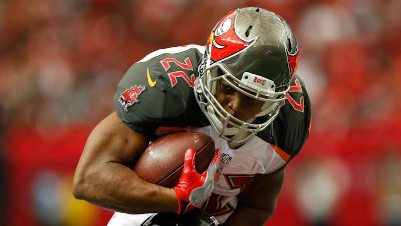 Bucs' Doug Martin Sidelined Three Weeks for Hamstring Injury