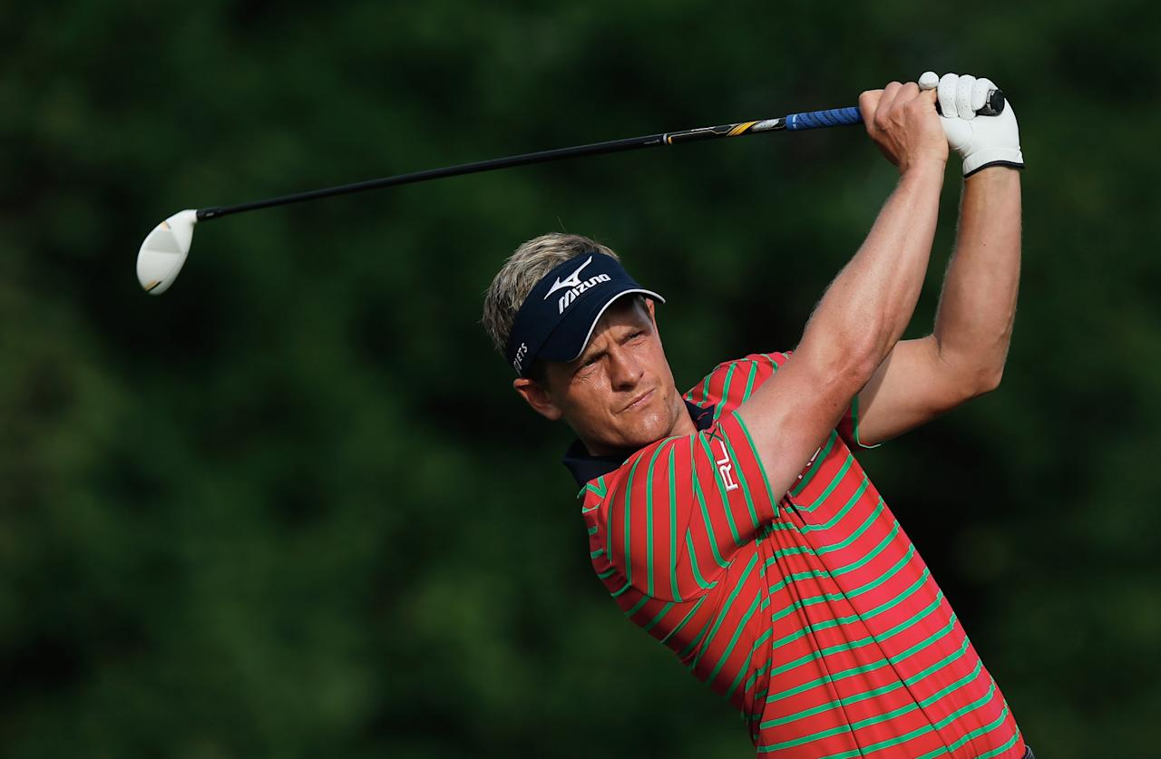 DUBLIN, OH - MAY 30:  Luke Donald of England watches his tee shot on the first hole during the first round of the Memorial Tournament presented by Nationwide Insurance at Muirfield Village Golf Club on May 30, 2013 in Dublin, Ohio.  (Photo by Scott Halleran/Getty Images)