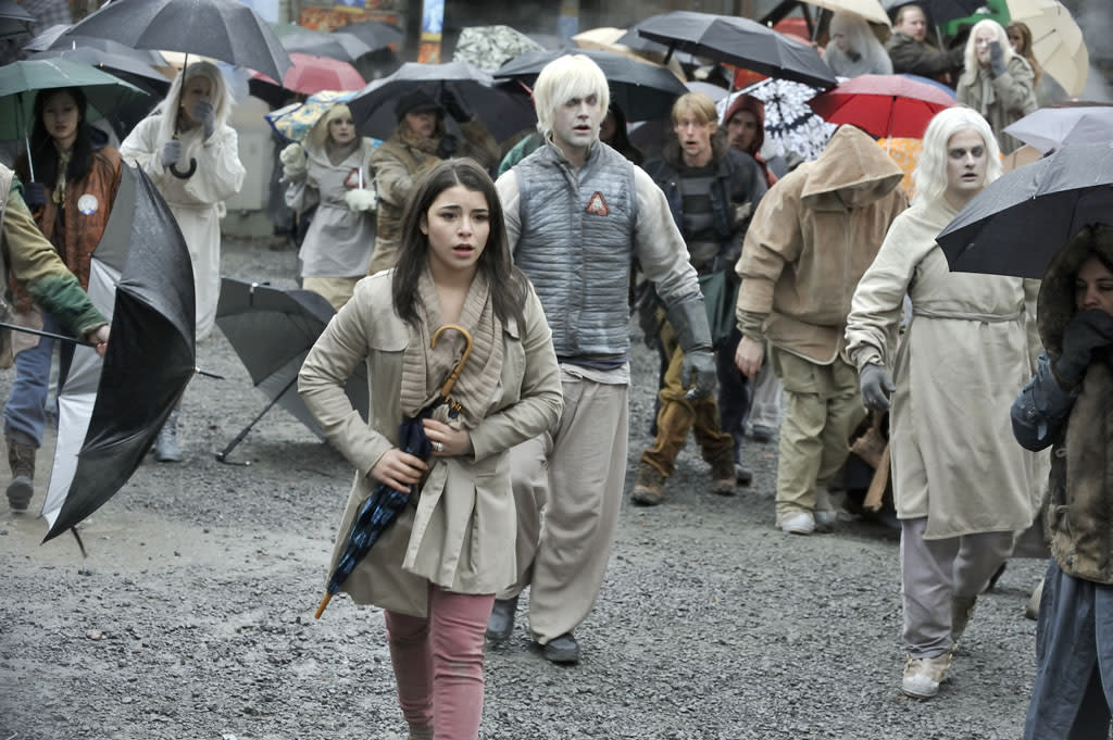 "Nicole Munoz as Christie McCawley in the ""Defiance"" epsiode, ""Past is Prologue."""