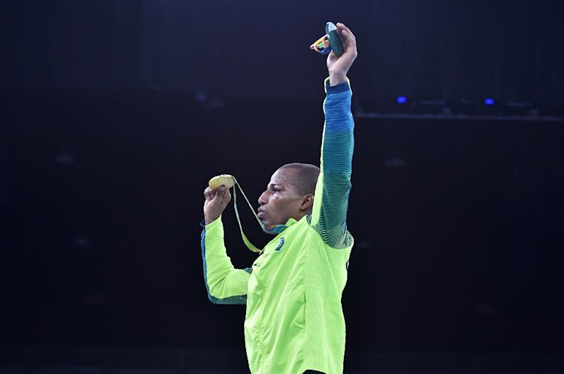 Boxing refs, judges get pulled from Olympics