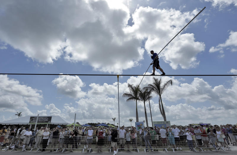 Wallenda to cross gorge near Grand Canyon on wire