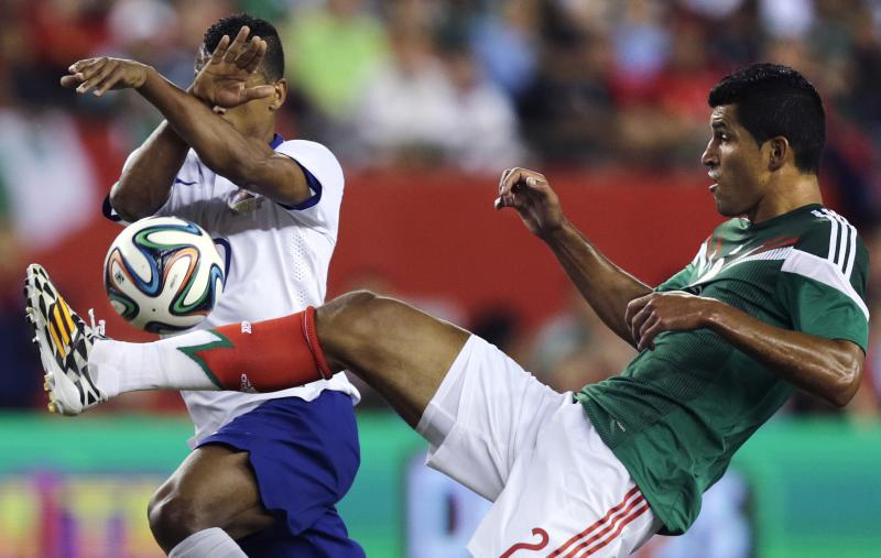 Alves' goal gives Portugal 1-0 win over Mexico