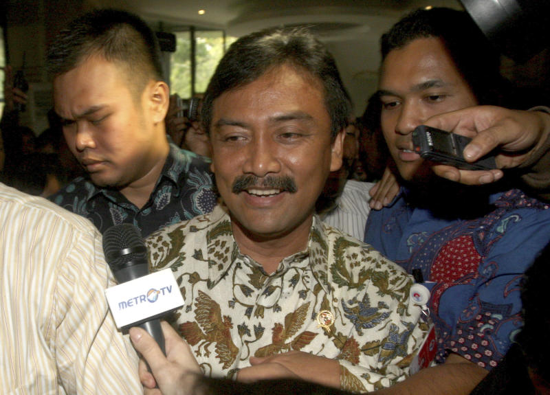 Indonesian sports minister resigns over corruption