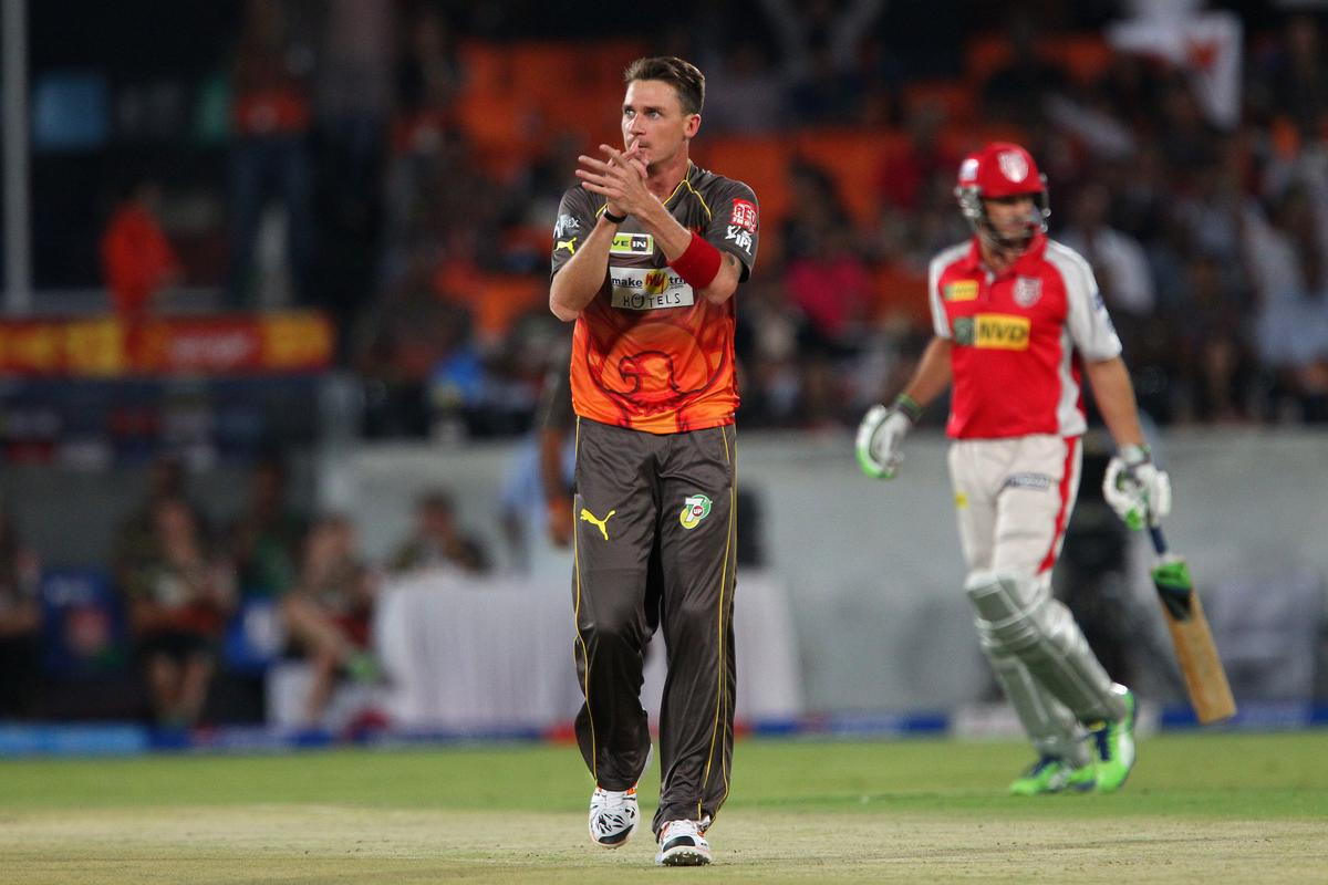 Dale Steyn applauds the fielder during match 25 of the Pepsi Indian Premier League between The Sunrisers Hyderabad and The Kings XI Punjab held at the Rajiv Gandhi International  Stadium, Hyderabad  on the 19th April 2013..Photo by Ron Gaunt-IPL-SPORTZPICS..Use of this image is subject to the terms and conditions as outlined by the BCCI. These terms can be found by following this link:..http://www.sportzpics.co.za/image/I0000SoRagM2cIEc
