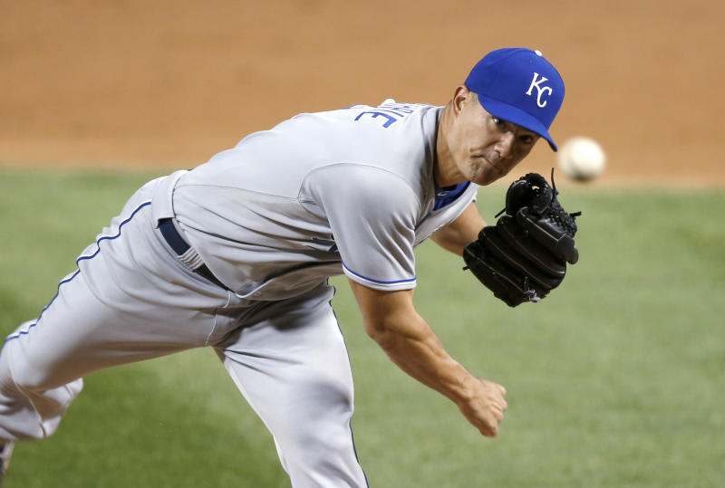 Guthrie, Laugh lead Royals over White Sox 3-2