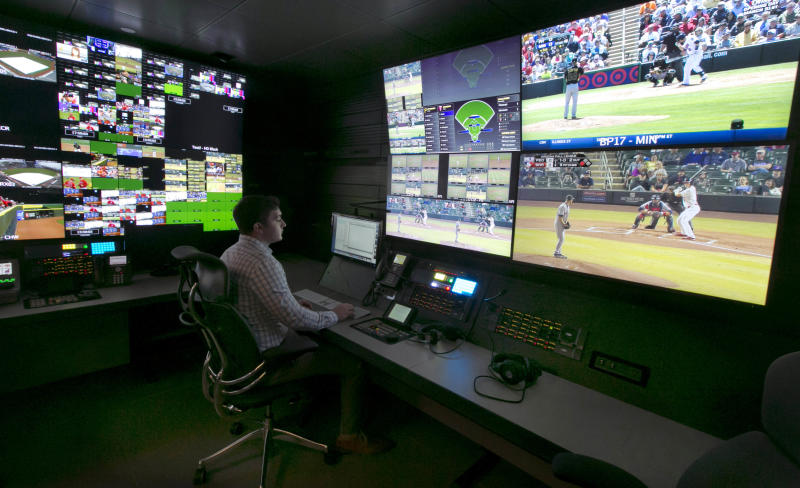 Umps headed by Kellogg, Vanover work replay room