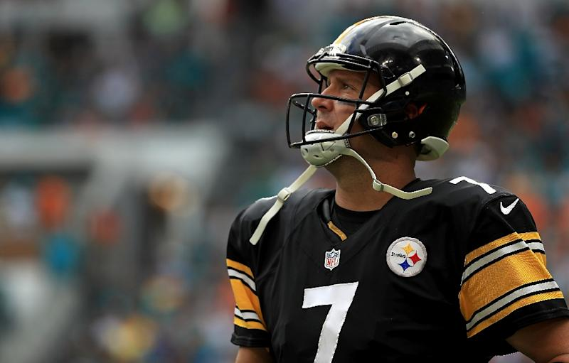 Ben Roethlisberger #7 of the Pittsburgh Steelers reacts to a play during a game against the Miami Dolphins on October 16, 2016 in Miami Gardens, Florida