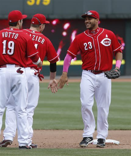 Lutz's 1st career HR lifts Reds over Brewers 5-1