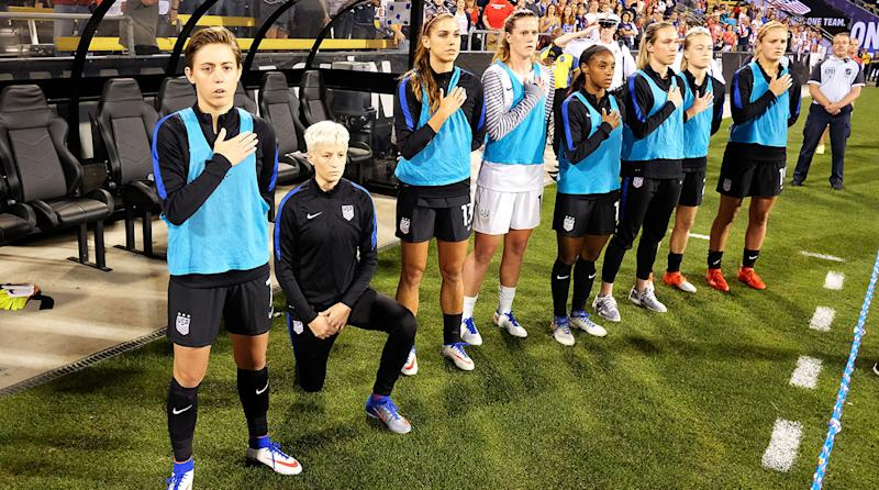 Rapinoe kneels again during anthem before US match