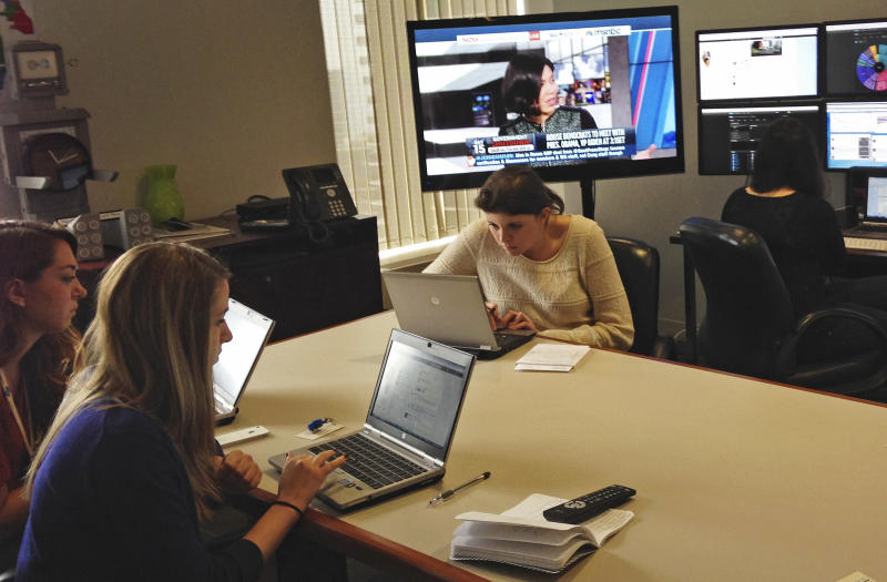 Health care law turns to social media in Illinois