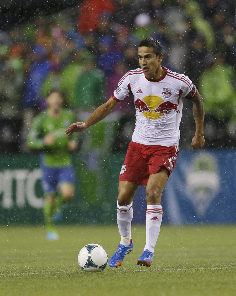 Cahill lifts Red Bulls to draw with Revolution