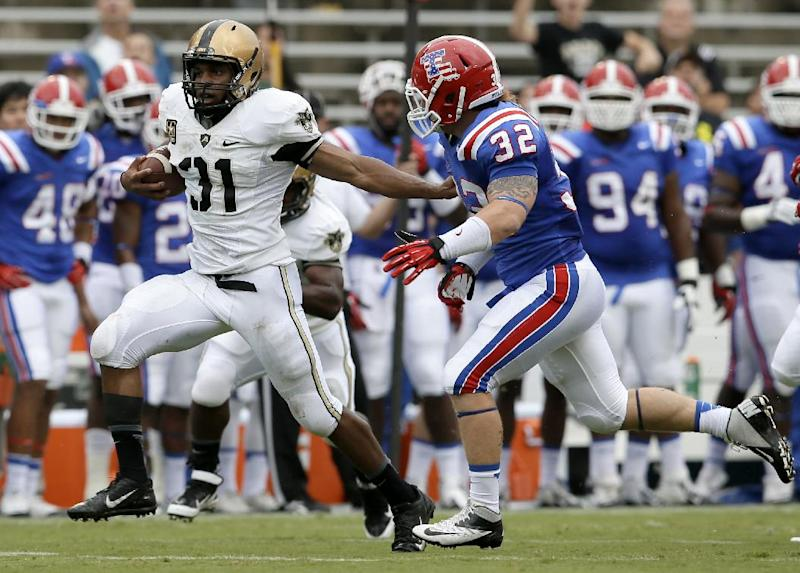 Baggett carries Army past Louisiana Tech 35-16