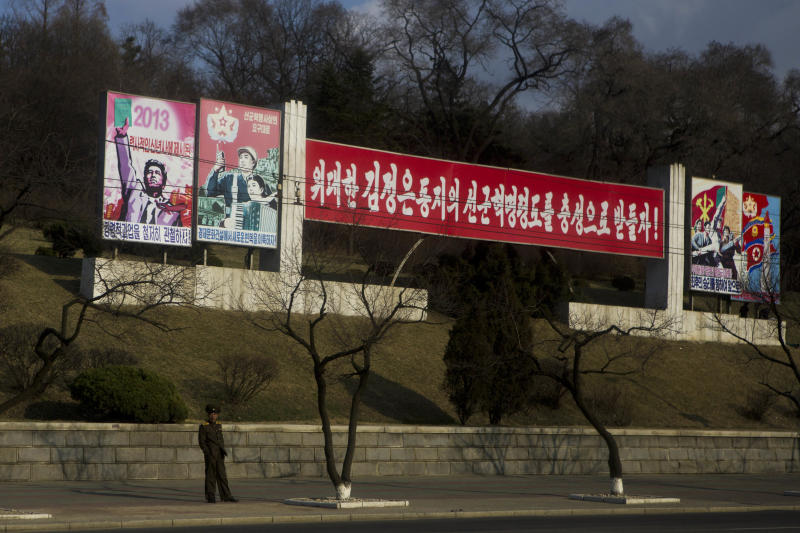 North Korea urges foreigners to vacate South Korea