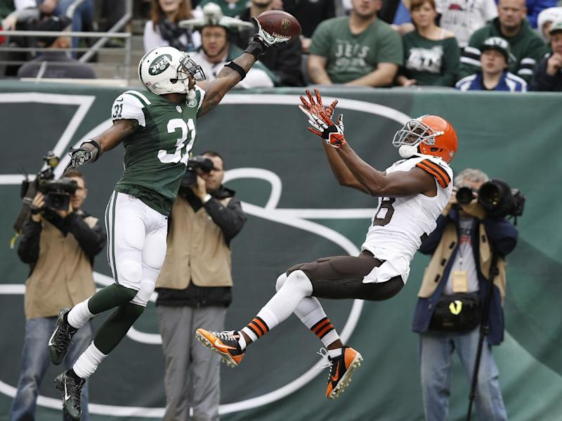 Jets' Cromartie 'definitely' open to redoing deal