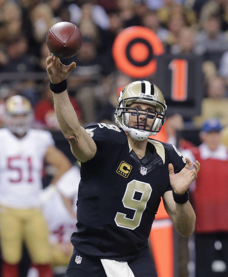 Brees spreading the wealth in the passing game