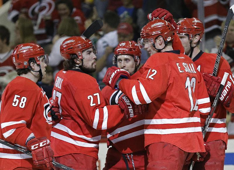 Liles leads Hurricanes past Stars 4-1