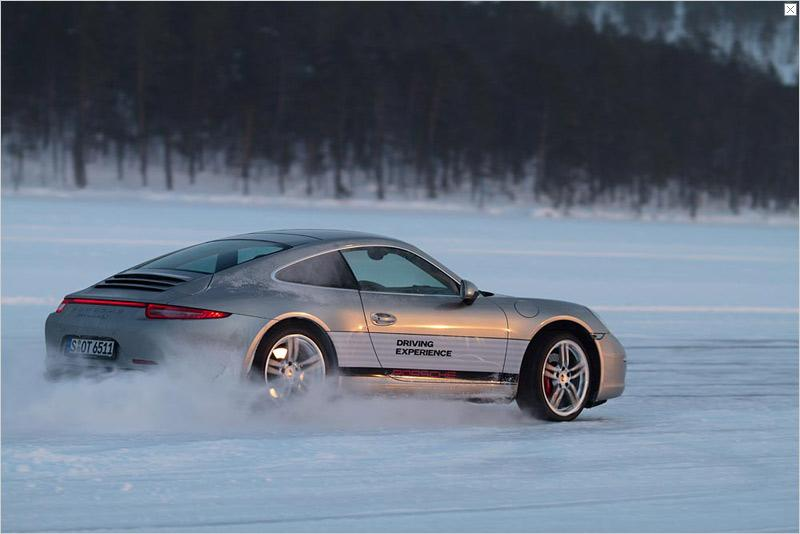 Porsche enthusiasts can also satisfy their curiosity about the advantages of the 911 Carrera by selecting from the various courses and sessions of Porsche Driving Experience: At two training sites in Finland's far north 1,350 drivers will have the opportunity to test the Porsche 911 at first hand in extreme weather conditions this winter.