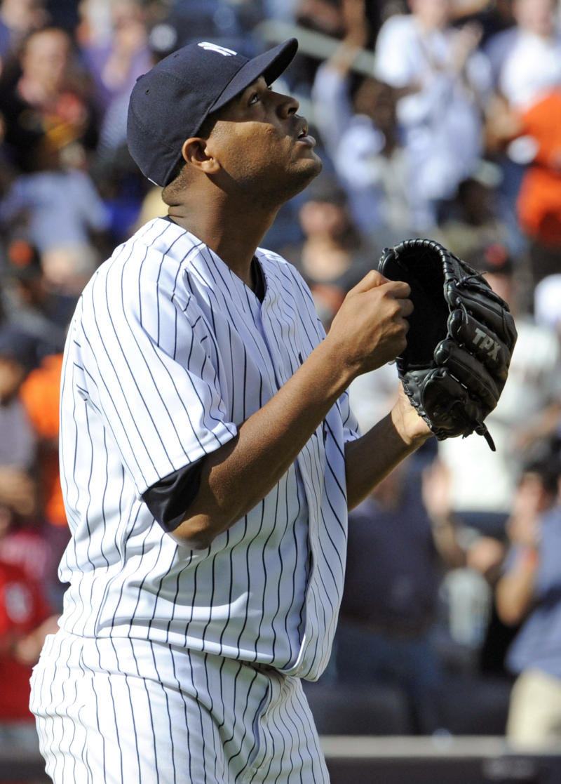 Nova tosses 6-hitter, Yankees beat Giants 6-0