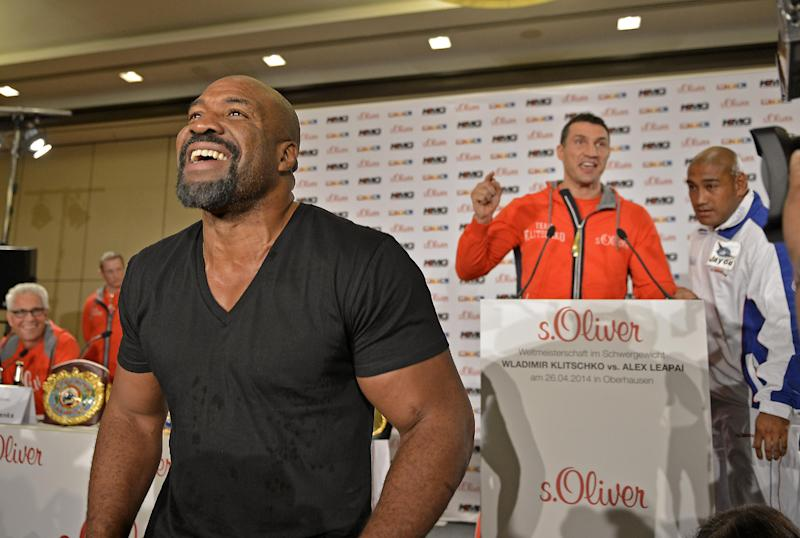 Ex-champ Briggs disrupts Klitschko news conference