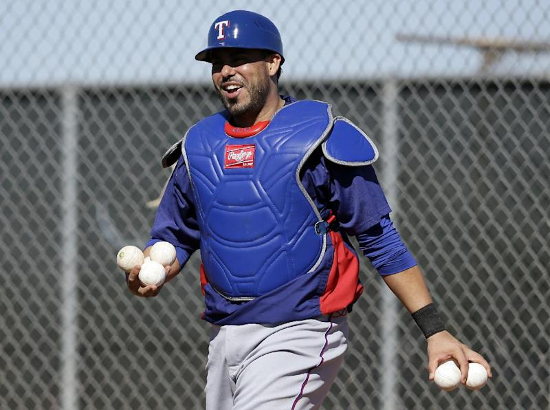 Rangers C Geovany Soto has surgery on left foot
