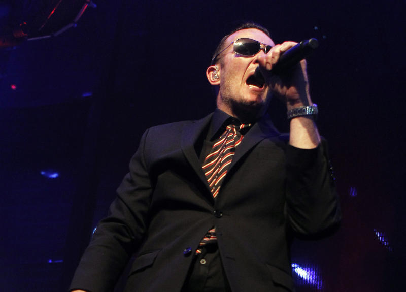 Scott Weiland sues over Stone Temple Pilots ouster