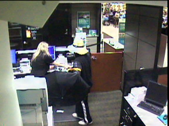 Pa. shopper is killed while chasing bank robber