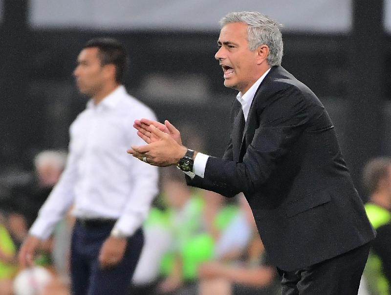 Mourinho frustrated by 'clear offside' goal