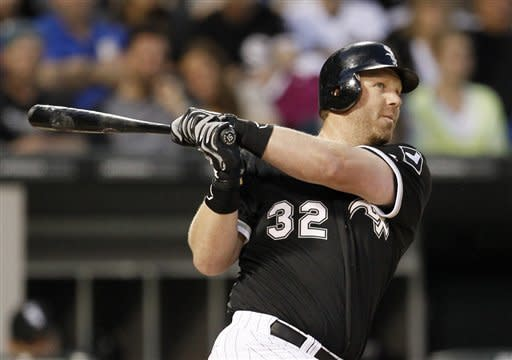 Dunn, Floyd lead White Sox past Royals 5-0