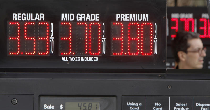 Drop in gas prices benefits US drivers, economy