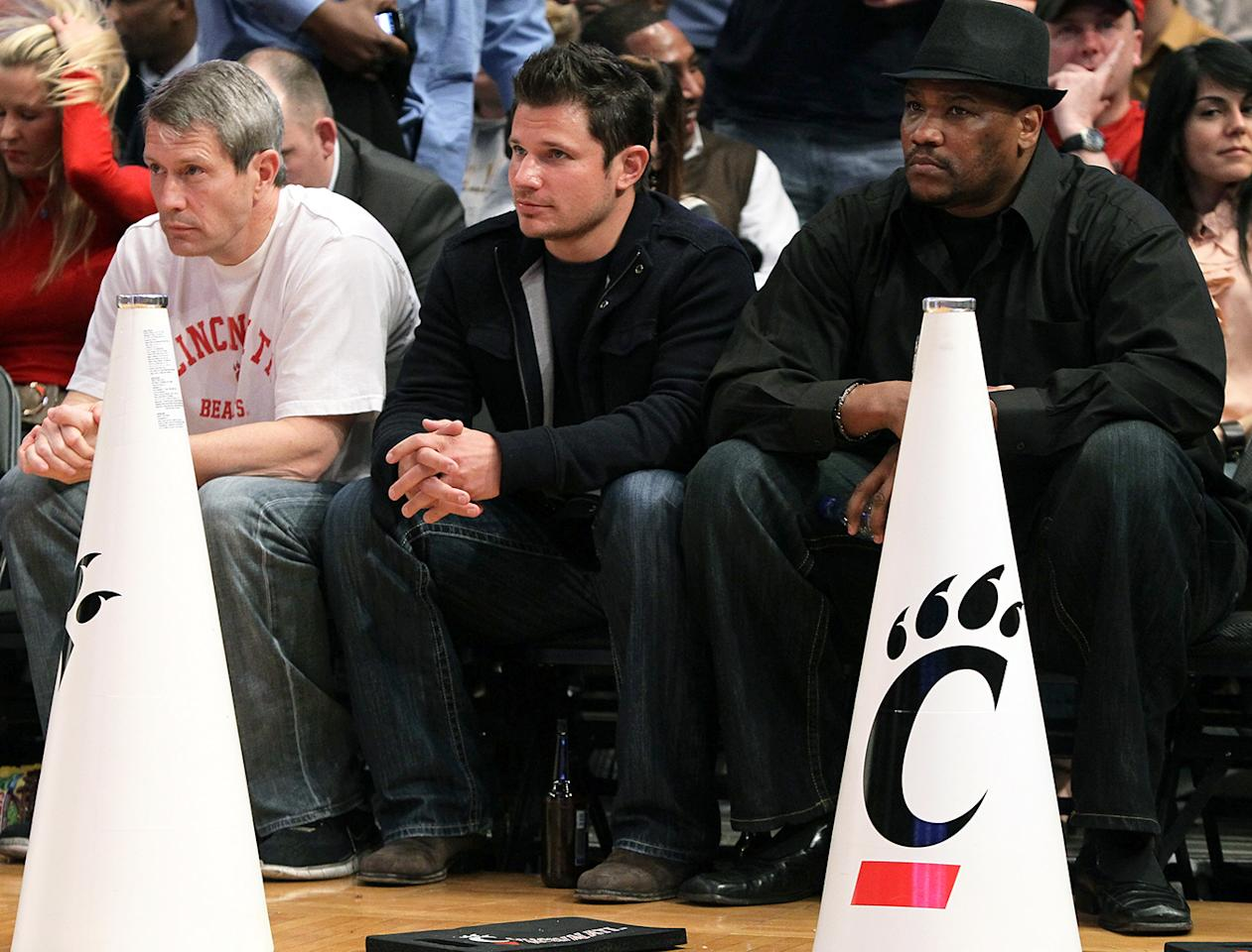 Nick Lachey attends the game between the Louisville Cardinals and the Cincinnati Bearcats during the second round of 2010 NCAA Big East Tournament at Madison Square Garden on March 10, 2010 in New York City.  (Photo by Jim McIsaac/Getty Images)