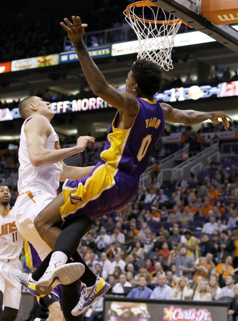 Lakers' Young, Suns' Len ejected for skirmish