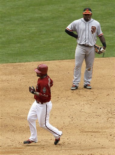 Diamondbacks rally from six down, beat Giants 7-6