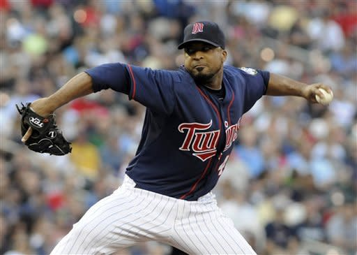 Liriano, Twins top White Sox 4-1 in Youkilis debut