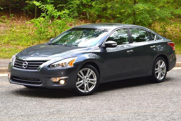 """<p style=""""text-align:right;"""">  <b><a href=""""http://ca.autos.yahoo.com/nissan/altima/2013/"""" target=""""_blank"""">2013 Nissan Altima 4dr Sdn I4 CVT 2.5 S</a></b><br>  <b>TOTAL SAVINGS $3,217</b><br>  <a href=""""http://www.unhaggle.com/yahoo/"""" target=""""_blank""""><img src=""""http://www.unhaggle.com/static/uploads/logo.png""""></a>  <a href=""""http://www.unhaggle.com/dealer-cost/report/form/?year=2013&make=Nissan&model=Altima&style_id=353203"""" target=""""_blank""""><img src=""""http://www.unhaggle.com/static/uploads/getthisdeal.png""""></a><br>  </p>  <div style=""""text-align:right;"""">  <br><b>Manufacturer Suggested Retail Price</b>:  <b>$24,898</b>  <br><br><a href=""""http://www.unhaggle.com/Nissan/Altima/2013/Incentives/"""" target=""""_blank"""">Nissan Canada Incentive</a>*: $2,000  <br>Unhaggle Savings: $1,217  <br><b>Total Savings: $3,217</b>  <br><br>Mandatory Fees (Freight, Govt. Fees): $1,830  <br><b>Total Before Tax: $23,511</b>  </div>  <br><br><p style=""""font-size:85%;color:#777;"""">  * Manufacturer incentive displayed is for cash purchases and may differ if leasing or financing. For more information on purchasing any of these vehicles or others, please visit <a href=""""http://www.unhaggle.com"""" target=""""_blank"""">Unhaggle.com</a>. While data is accurate at time of publication, pricing and incentives may be updated or discontinued by individual dealers or manufacturers at any time. Vehicle availability is also subject to change based on market conditions. Unhaggle Savings is a proprietary estimate of expected discount in addition to manufacturer incentive based on actual savings by Unhaggle customers  </p>"""