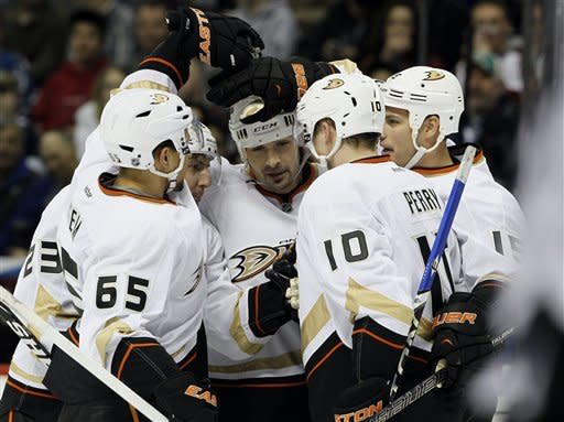 Fasth leads Ducks to 3-0 win over Avalanche