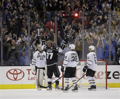 Carter puts LA Kings past Dallas 4-3 in overtime