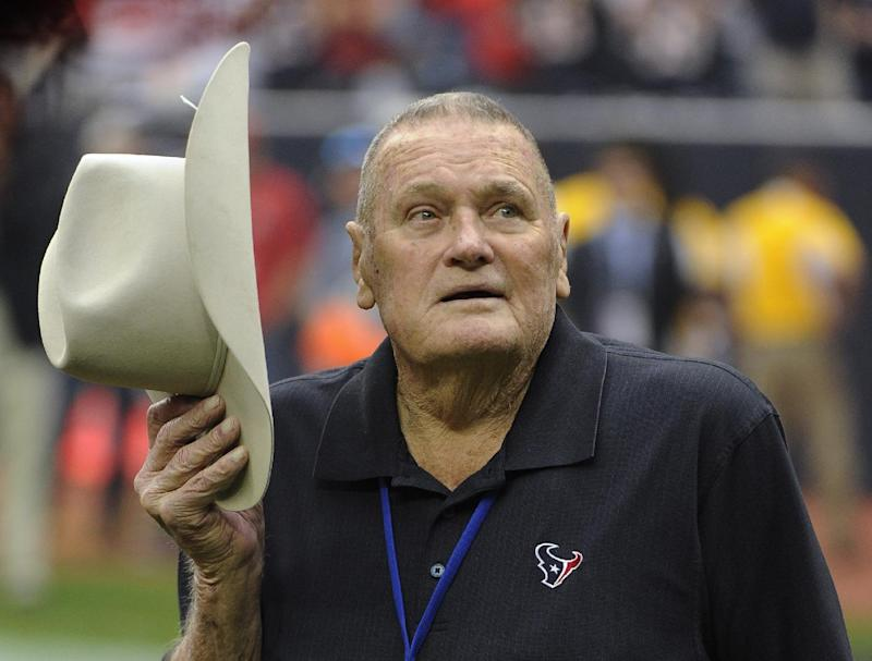 Former Oilers coach Bum Phillips dies at 90