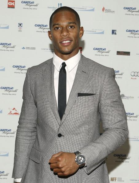 """<div class=""""caption-credit""""> Photo by: Getty Images</div><div class=""""caption-title"""">The sharp athlete</div>This year's winner of Esquire Magazine's <a target=""""_blank"""" href=""""http://www.esquire.com/the-side/style-guides/best-dressed-nfl-players-2012#slide-1""""><i>Best dressed player in the NFL</i></a> was New York Giants wide receiver Victor Cruz, and there's no doubt this <i>Boricua</i> was the right choice. According to the men's monthly, """"[it was] not only because he took his Super Bowl victory lap through New York Fashion Week…but because he did it in tailored suits with bold details…by established American designers like Tommy Hilfiger and Calvin Klein."""""""
