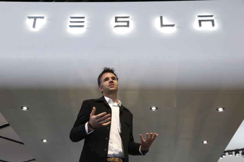 Tesla shares drop as 3Q falls short