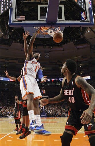 Anthony helps Knicks end 13-game playoff skid