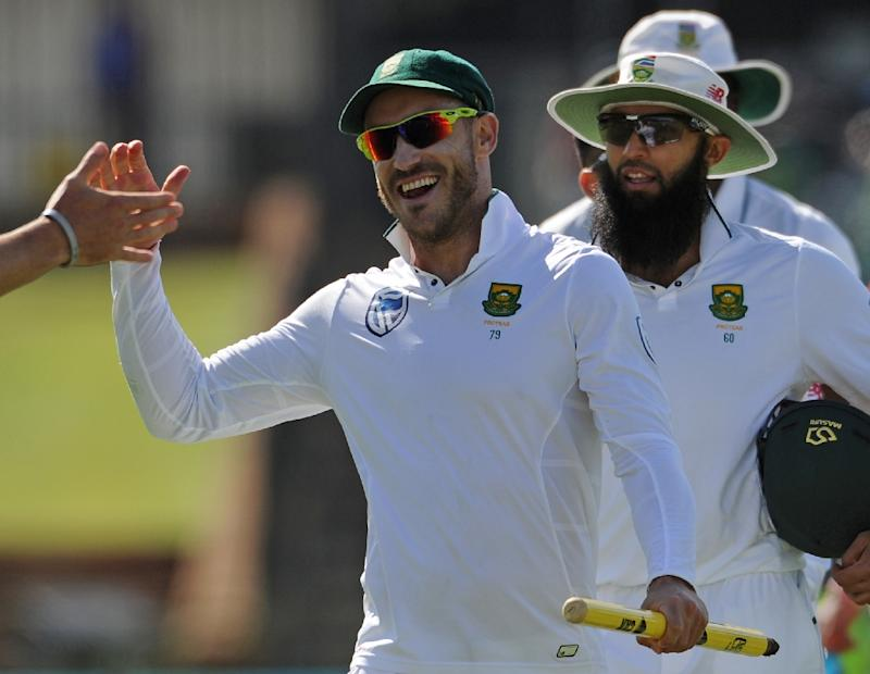 Du Plessis to answer ball tampering charge before third Test