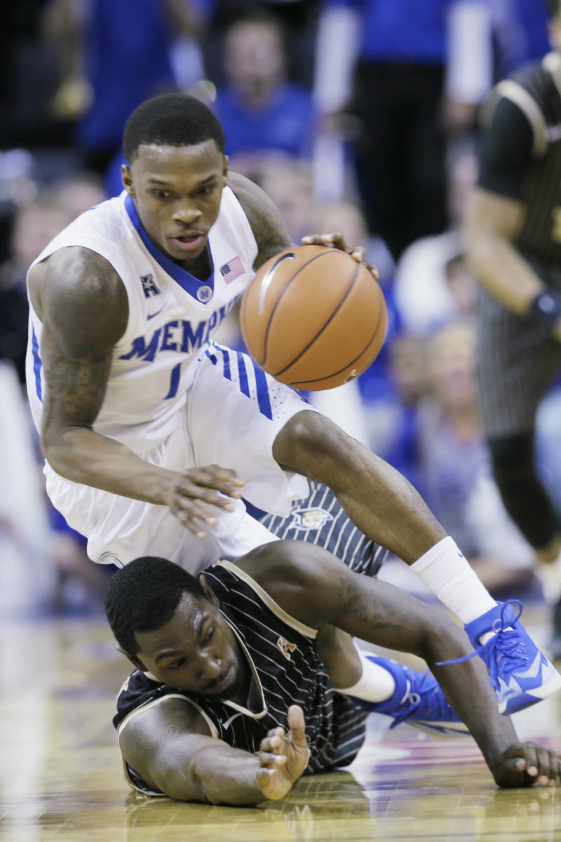 Memphis uses second half rally to beat UCF 76-70