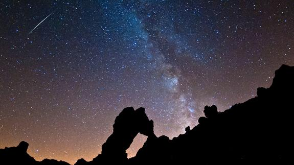 Veteran astrophotographer Roberto Porto snapped this spectacular view of a Perseid meteor over Mount Tiede National Park in the Canary Islands off the west coast of Africa on Aug. 11, 2012 during the peak of the 2012 Perseid meteor shower. The