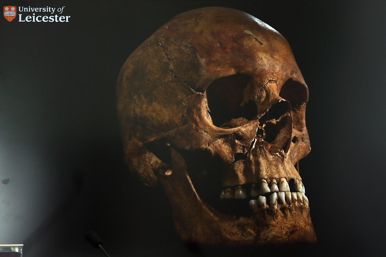 LEICESTER, ENGLAND - FEBRUARY 04:  A television screen displays the skull what is believed to be King Richard III during a press conference at Leicester University on February 4, 2013 in Leicester, England. The University of Leicester has been carrying out scientific investigations on remains found in a car park to find out whether they are those of King Richard III since last September, when the skeleton was discovered in the foundations of Greyfriars Church, Leicester.  (Photo by Dan Kitwood/Getty Images)