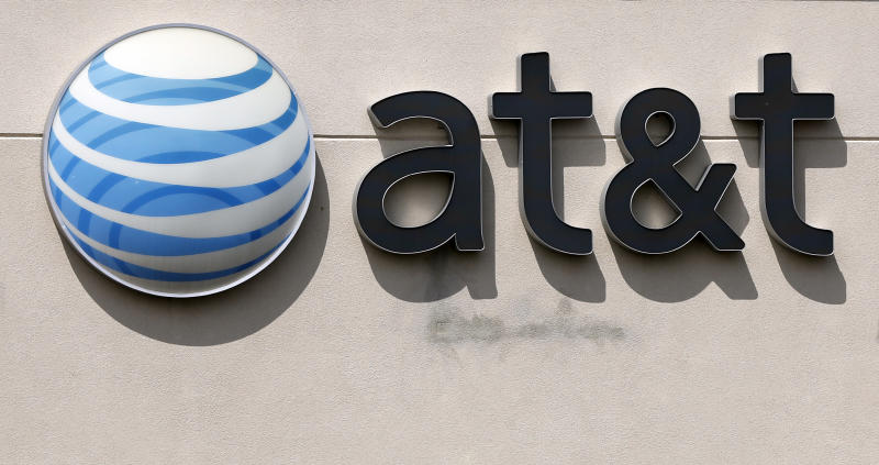 Cheaper wireless plans cut into AT&T 2Q profit