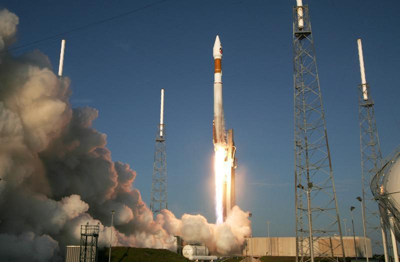 Lockheed Martin Atlas V rocket lifts off from pad 41 with the Mars Reconnaissance Orbiter spacecraft at ...